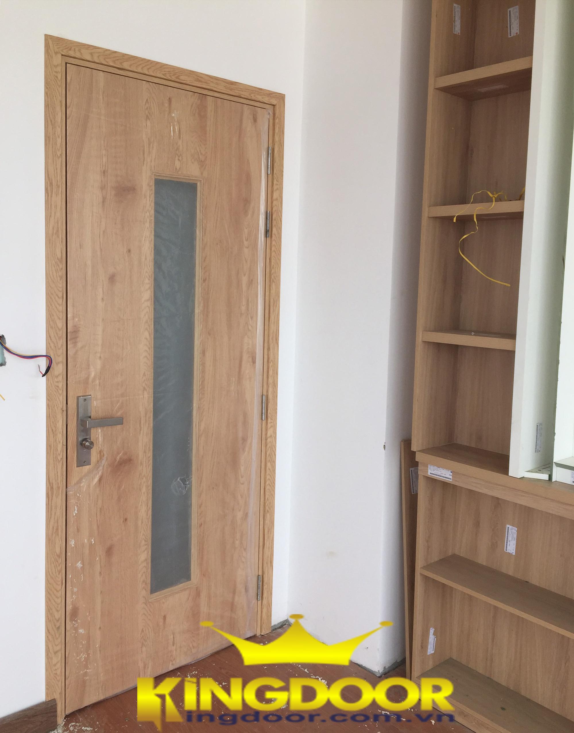 cửa nhựa giống gỗ đến 99%