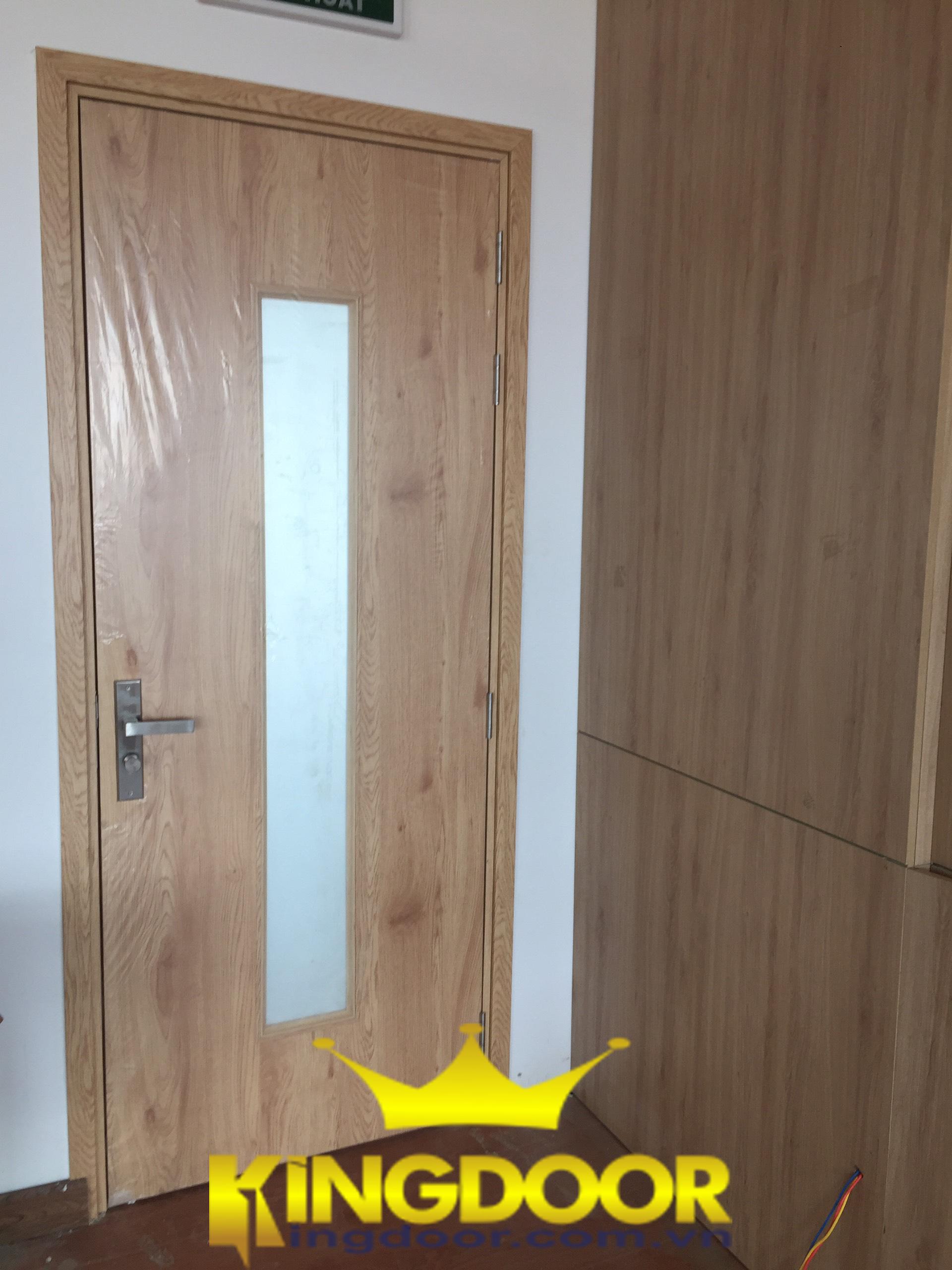 cửa nhựa giả gỗ chống mối mọt 100%