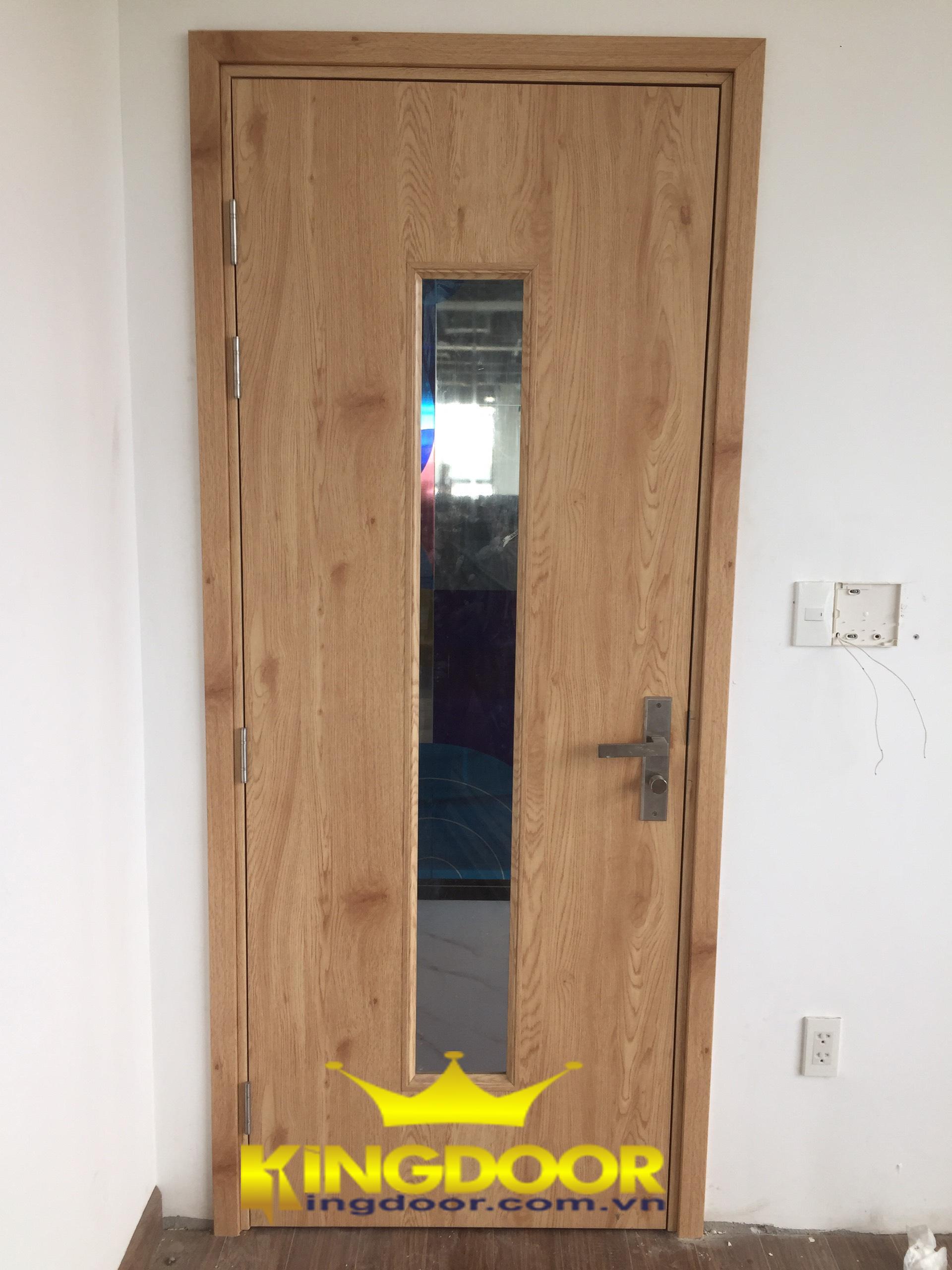 cửa được hoàn thiện đẹp mắt